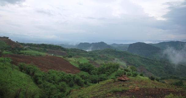 Berg-Panorama unterwegs von Doi Wawee nach Doi Chang, Thailand