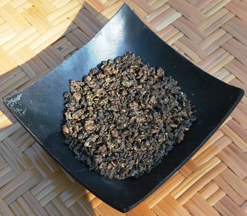 Doi Mae Salong Shi Er Black Pearls, trockene Perlen, schwarze und grüne Färbung