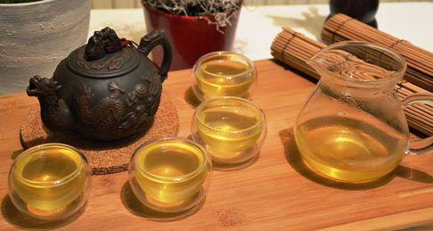 Tee in Japan: Organischer Sencha Grüntee aus Japan