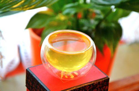 Tee in Japan: Jedegrüne Tassenfarbe von Kbusecaha Tee (Kabuse Sencha Tee)