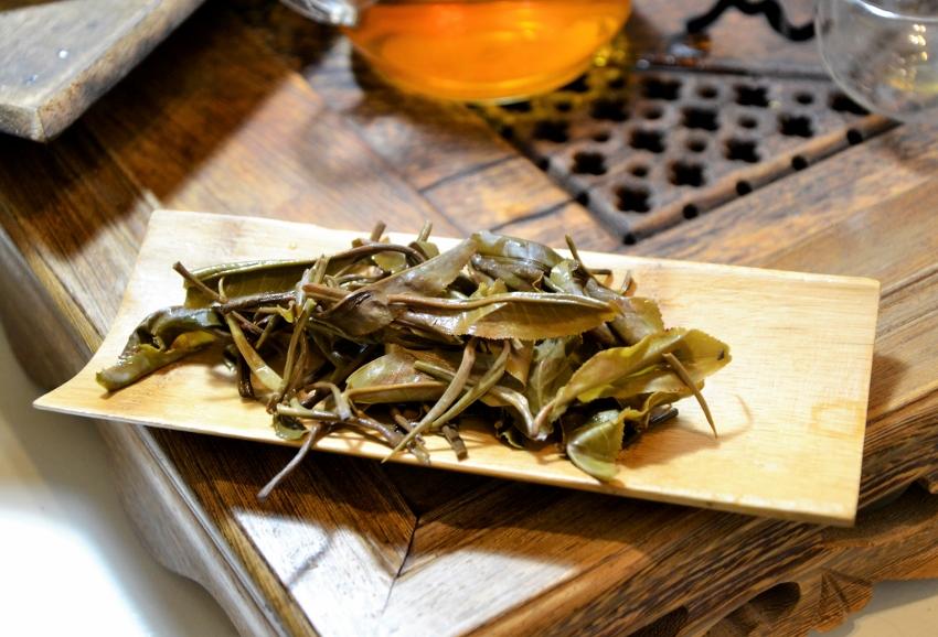 Kinnari Honey Hill Sheng Pu Erh Tee aus Xiengkhouang, Laos